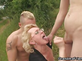 Superannuated pussy and frowardness appropriated outdoors